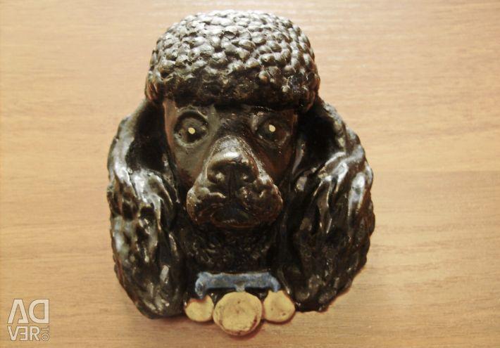 Небольшой барельеф собаки (Пудель).