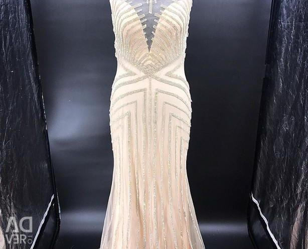 Dress for rent
