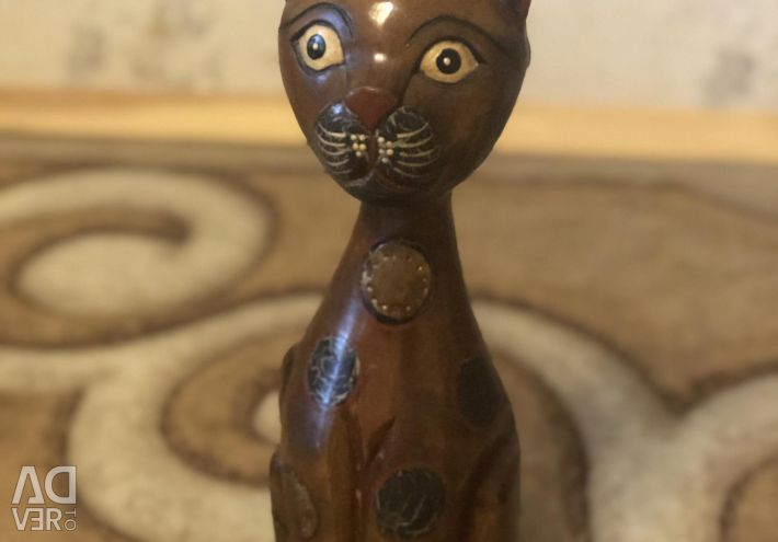 Cat souvenir figurine