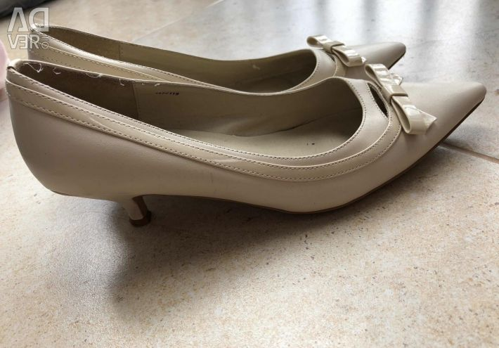 Pantofi 36