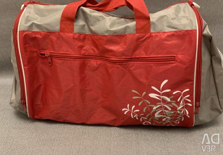 Новая спортивная сумка 36 на 33 см