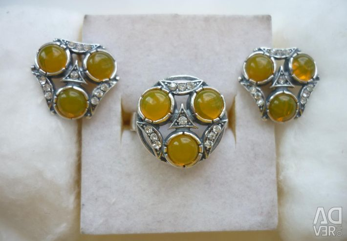 Set of earrings + ring with yellow onyx