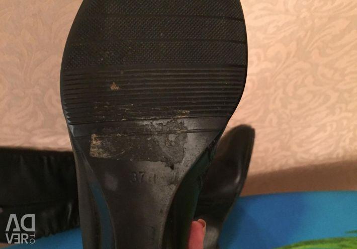 Boots negru