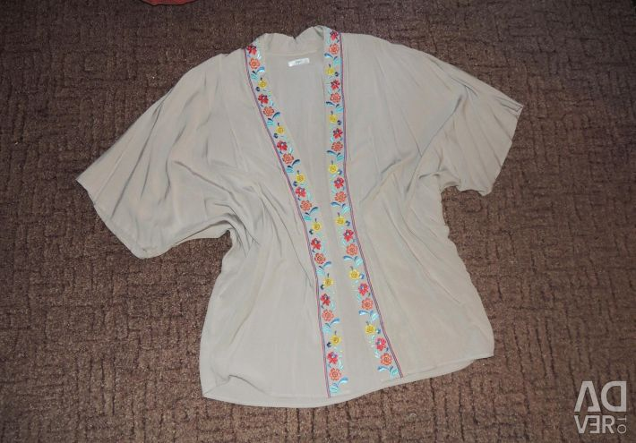 Summer kimono jacket with embroidery