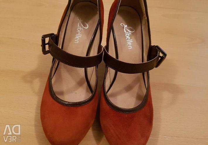 Süet ayakkabılar 37 kez.