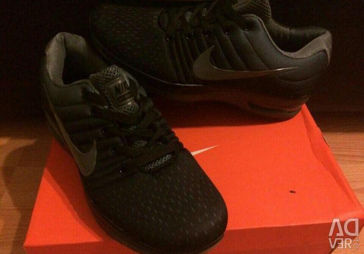 Sneakers (40,44)