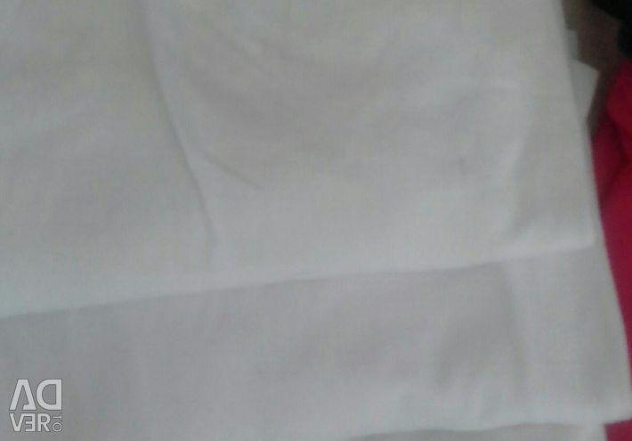 T-shirts 3pcs. White and pants.