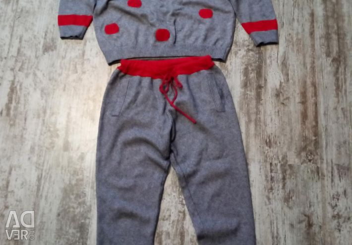 Woolen sports suit