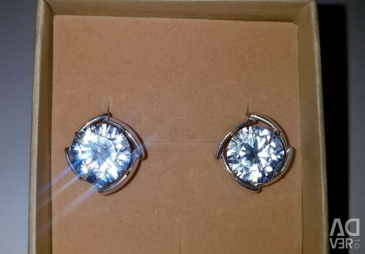 Earrings with rhinestone. 925 sterling silver