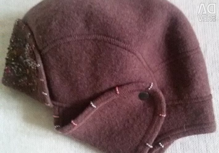 Women's cap with earflaps, Elena Konareva