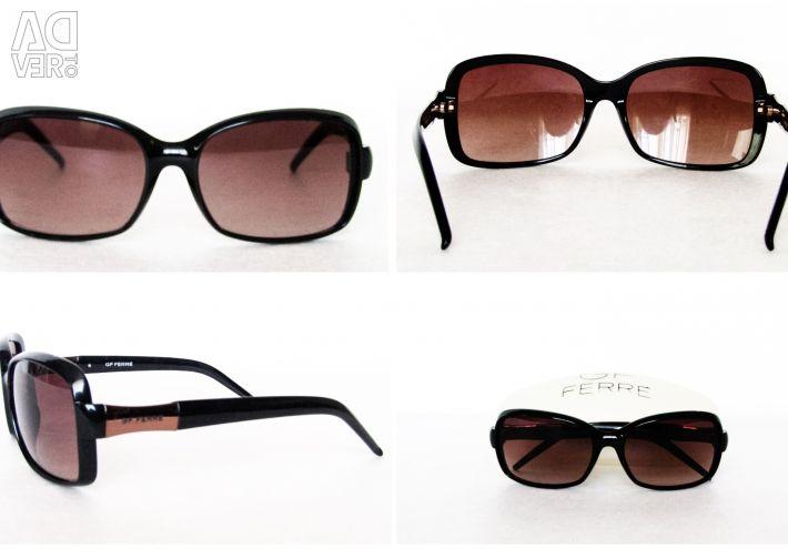Лаконичные очки от бренда GF Ferre