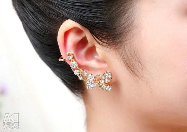 Серьга в ухо позолота 18 к , камни фиониты