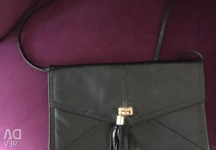 Черная маленькая сумка