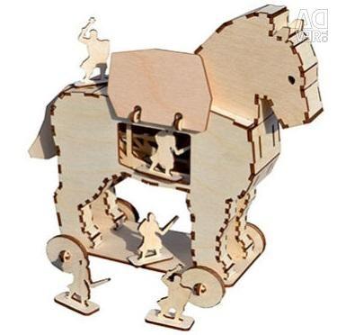 Δούρειος ίππος, ξύλινος κατασκευαστής