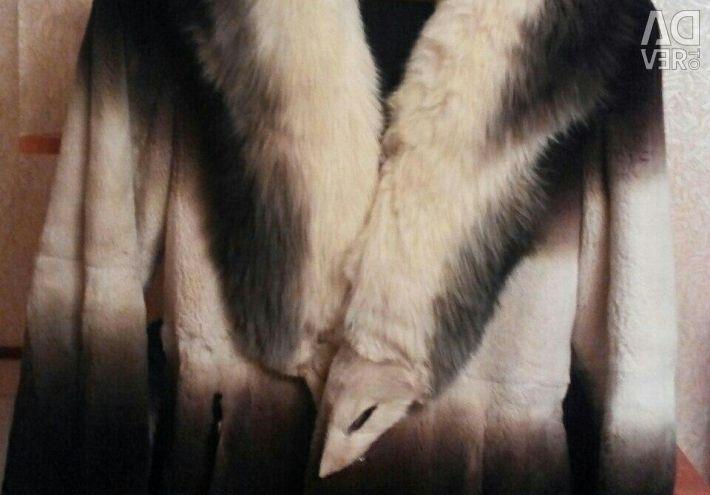 Σύντομη γούνα παλτό 44-46 με καναδικό κολάρο αλεπού