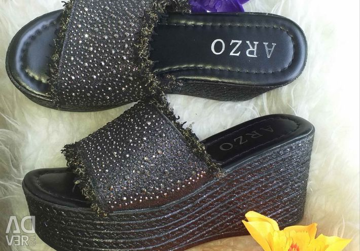 SIZES 35-40 NEW SLOTS WITH Rhinestones