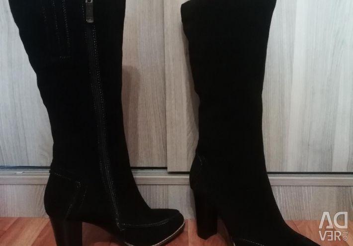 Νέες μπότες από φυσικό σουέτ
