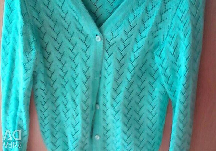 Bluzele sunt originale