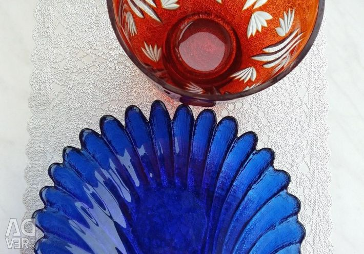 Χρωματιστά γυάλινα βάζα