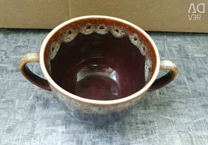 Bouillon bowl with handles