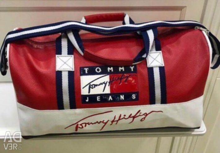 Τσάντα Tommy Hilfiger