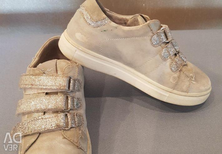 Sneakers 32r