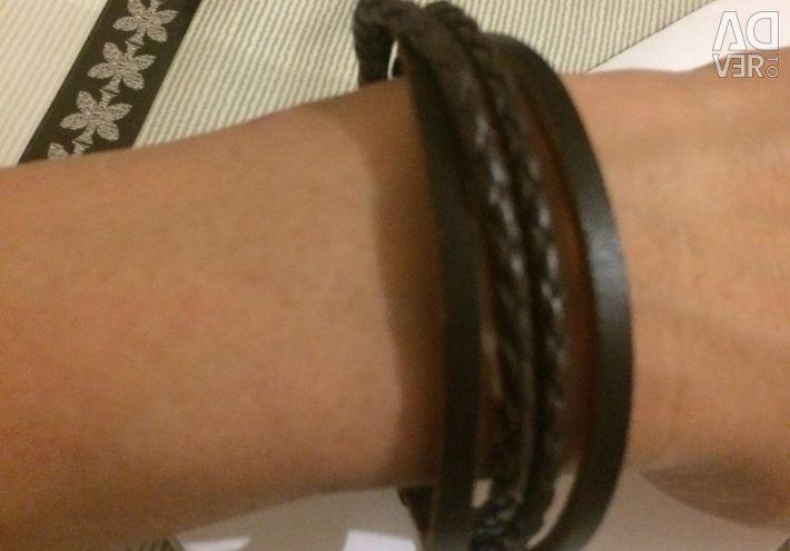Leather bracelets for women