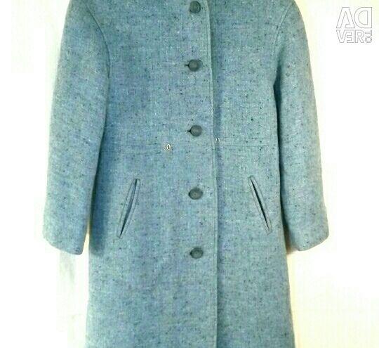 Fur coat (6-7 years). Coat (9-10 years)