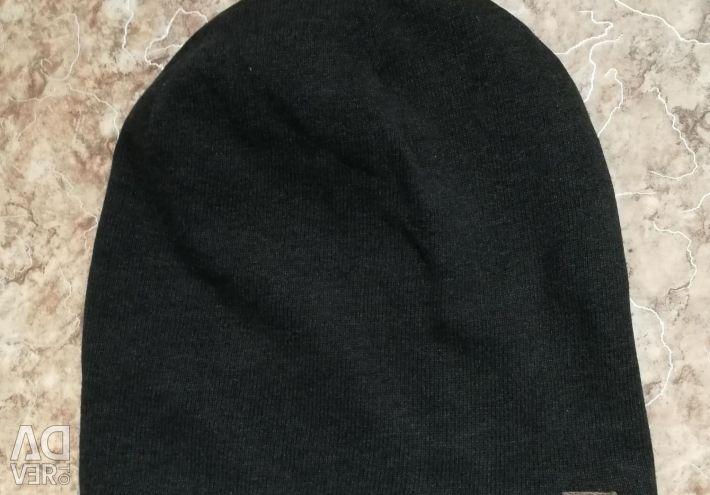 Hat Bershka
