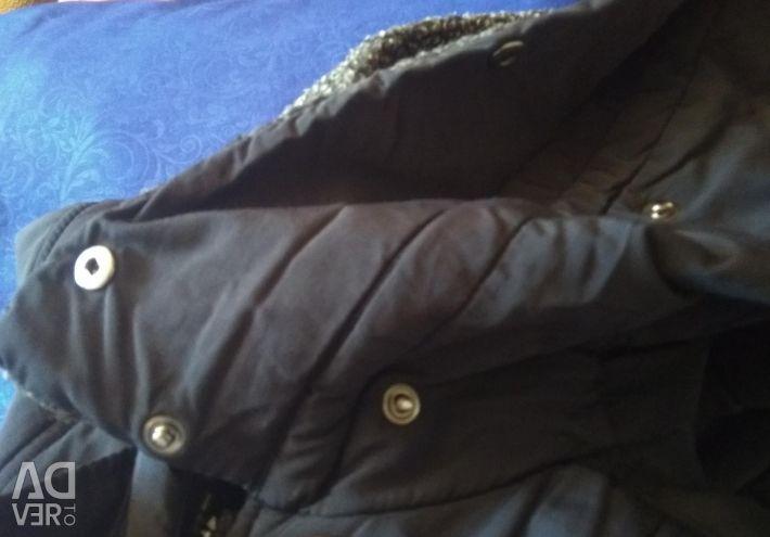 Ενδιαφέρουσα παλτό.