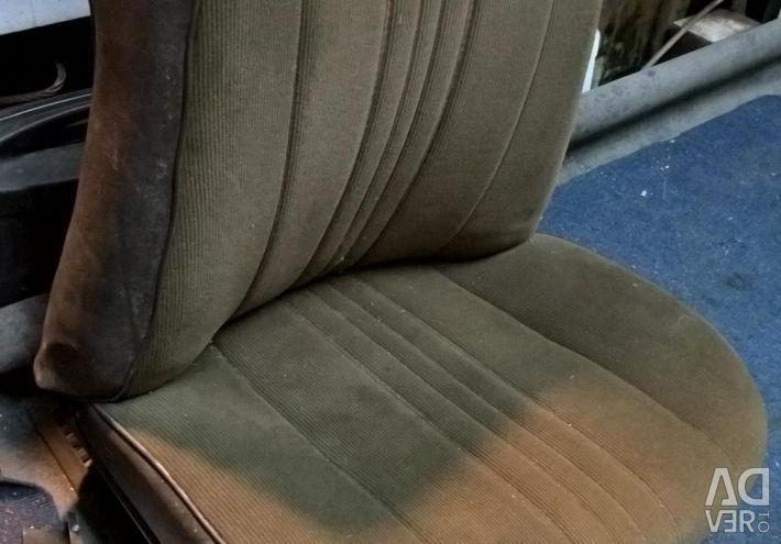 Сидіння переднє праве на ваз - класику