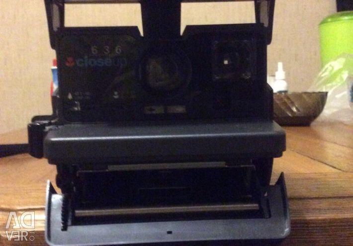 Моментальный фотоаппарат полароид