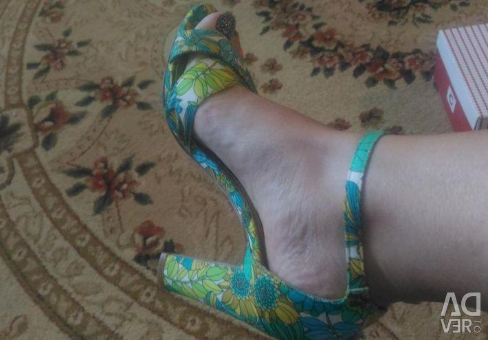 Sandaletler