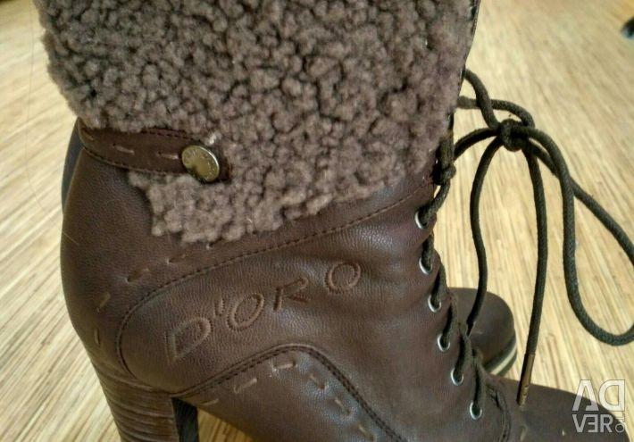 Δερμάτινες μπότες με φυσικό μέγεθος γούνας 37