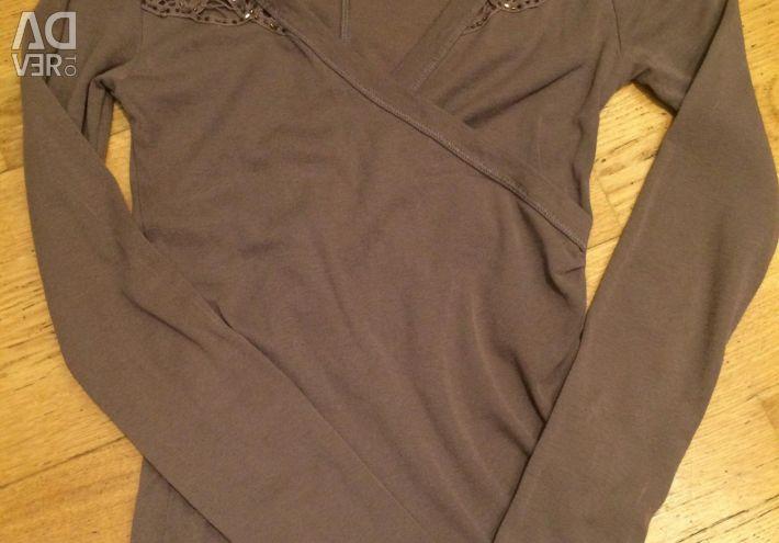 Bluză tricotată cu decolteu
