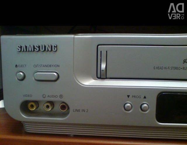 Відеомагнітофон Samsung