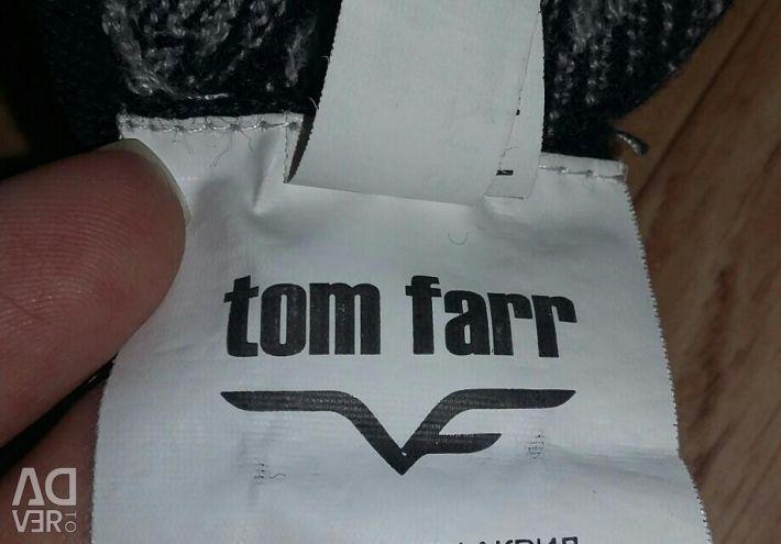 Tom Farr Yolk