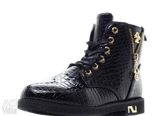 Новые ботинки р.37-39