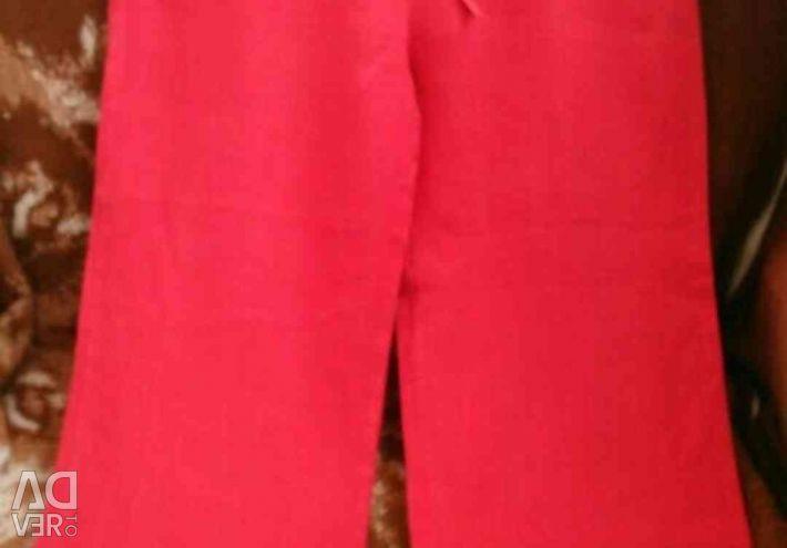 Pants of flax.