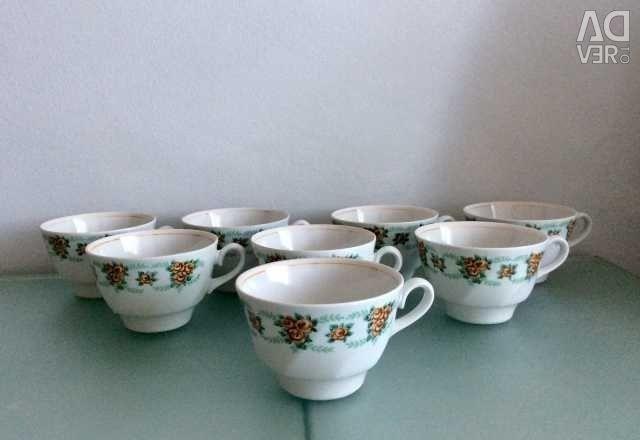 Tea cups. Exchange.