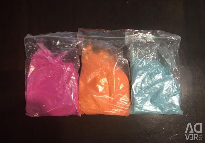 Glitter glitter in large bags.