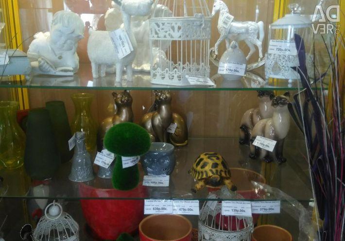 Vase de iluminat, figuri de grădină.