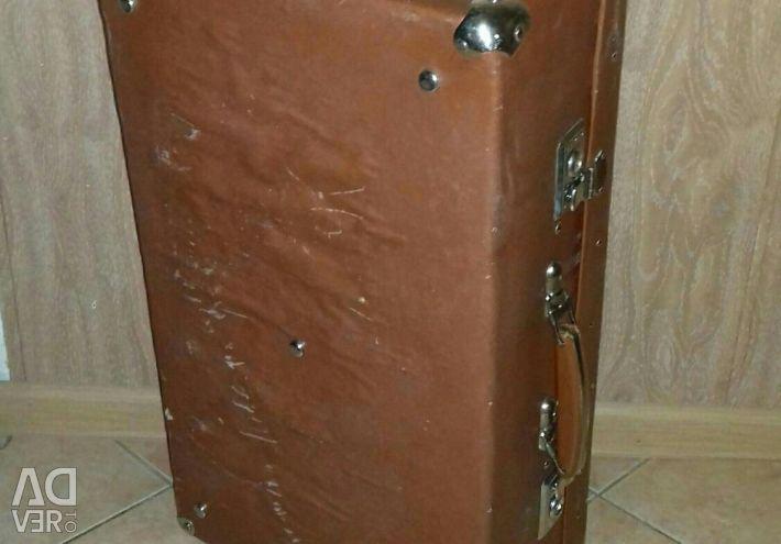 Βαλίτσα ρετρό