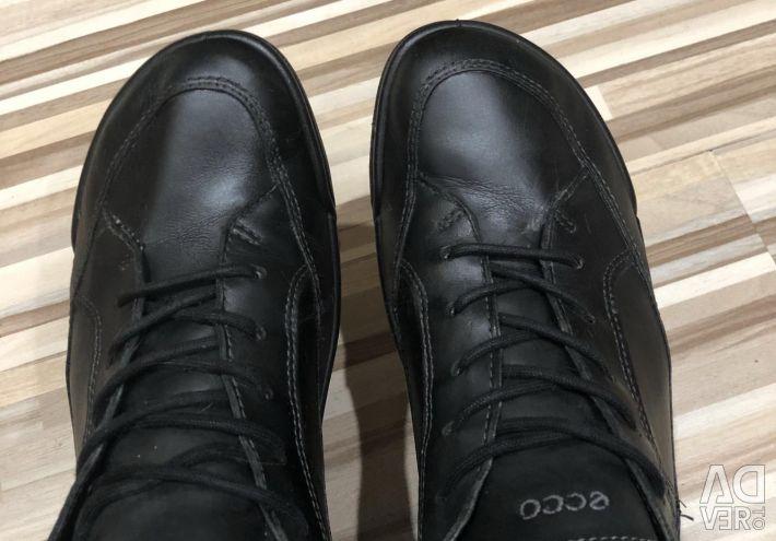 Ecco черевики