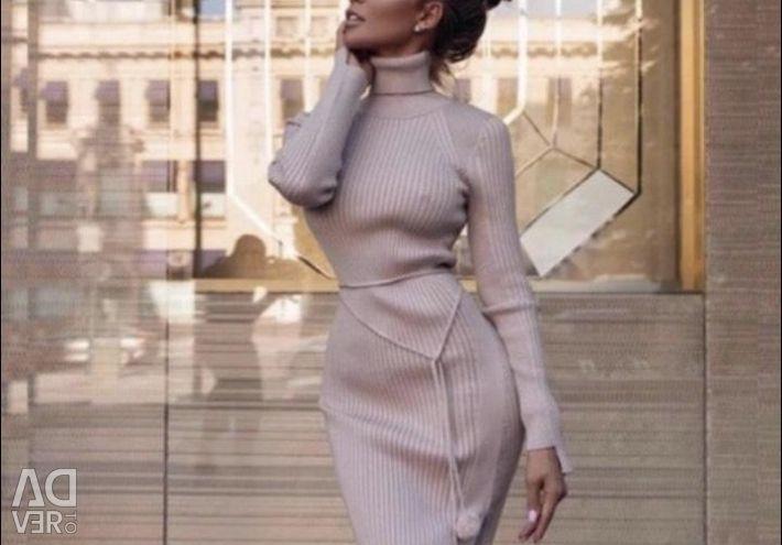 Διαθέσιμο φόρεμα
