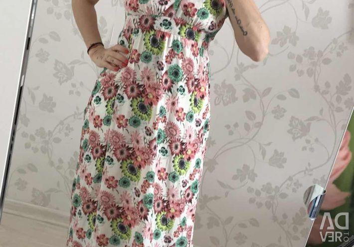New bombshell Dress with train Deny Rose ??