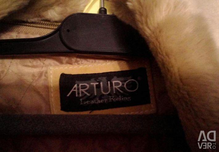 Haina noua din piele de oaie Arturo