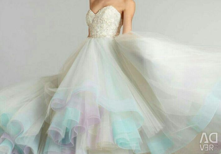 Wedding dress color, iridescent Lazaro 3269