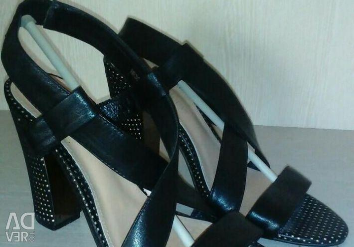 Γυναικεία παπούτσια, σανδάλια