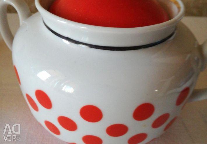 Kettle and Sugar Bowl